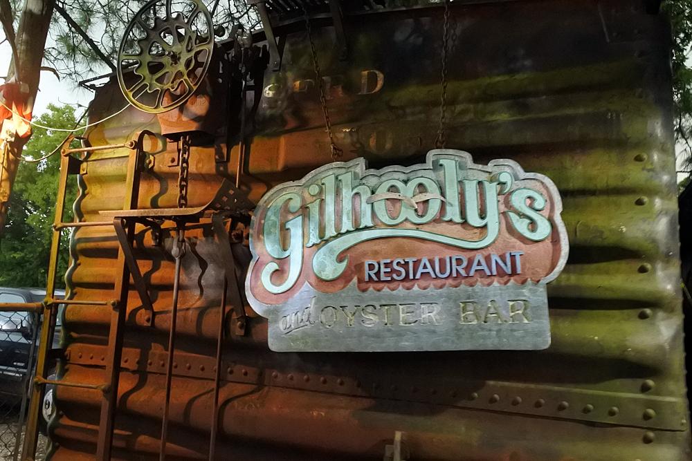 ヒューストン近郊の超ローカルなシーフード店で生牡蠣とカニ!