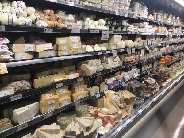 チーズの棚