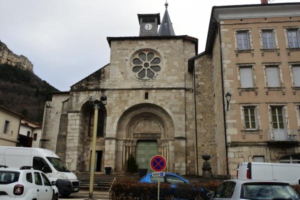 教会堂ファサード