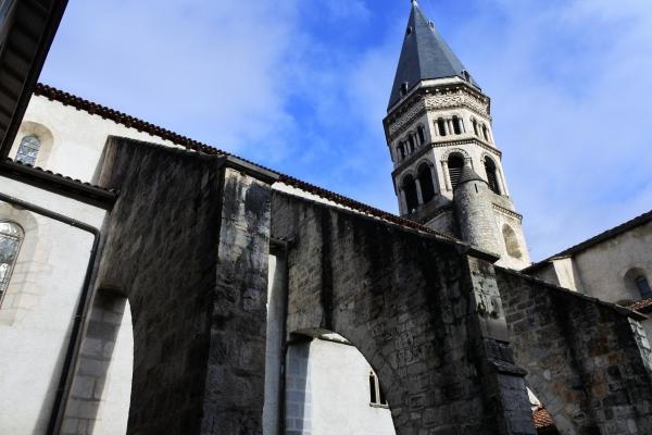 教会堂南側外観